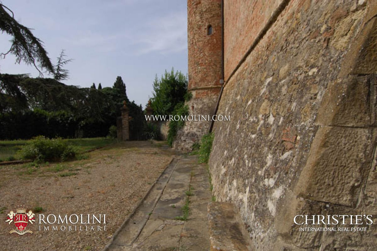 Italian Florence: CASTLE FOR SALE IN TUSCANY. FLORENCE