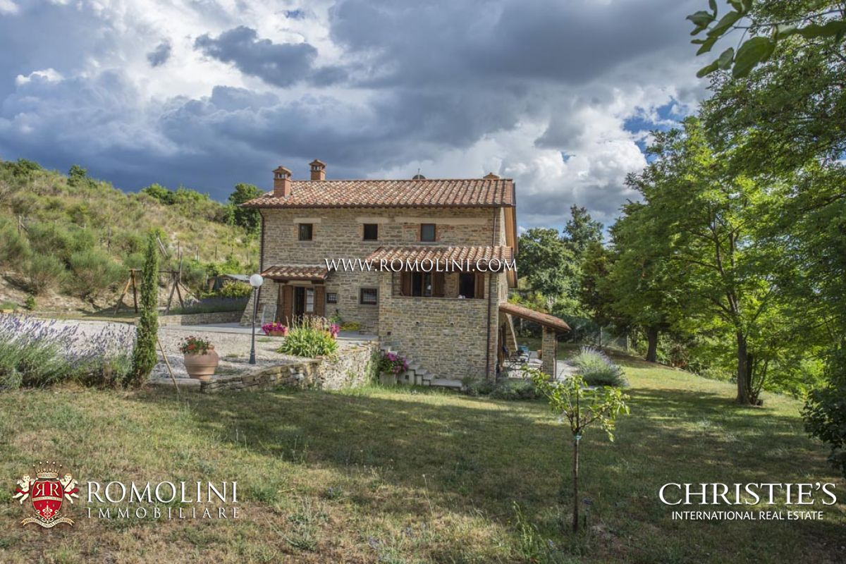 Eensgezinswoning voor Verkoop een t Tuscany - LAKEVIEW FARMHOUSE WITH GARDEN IN TUSCANY, PIEVE SANTO STEFANO Pieve Santo Stefano, Italië
