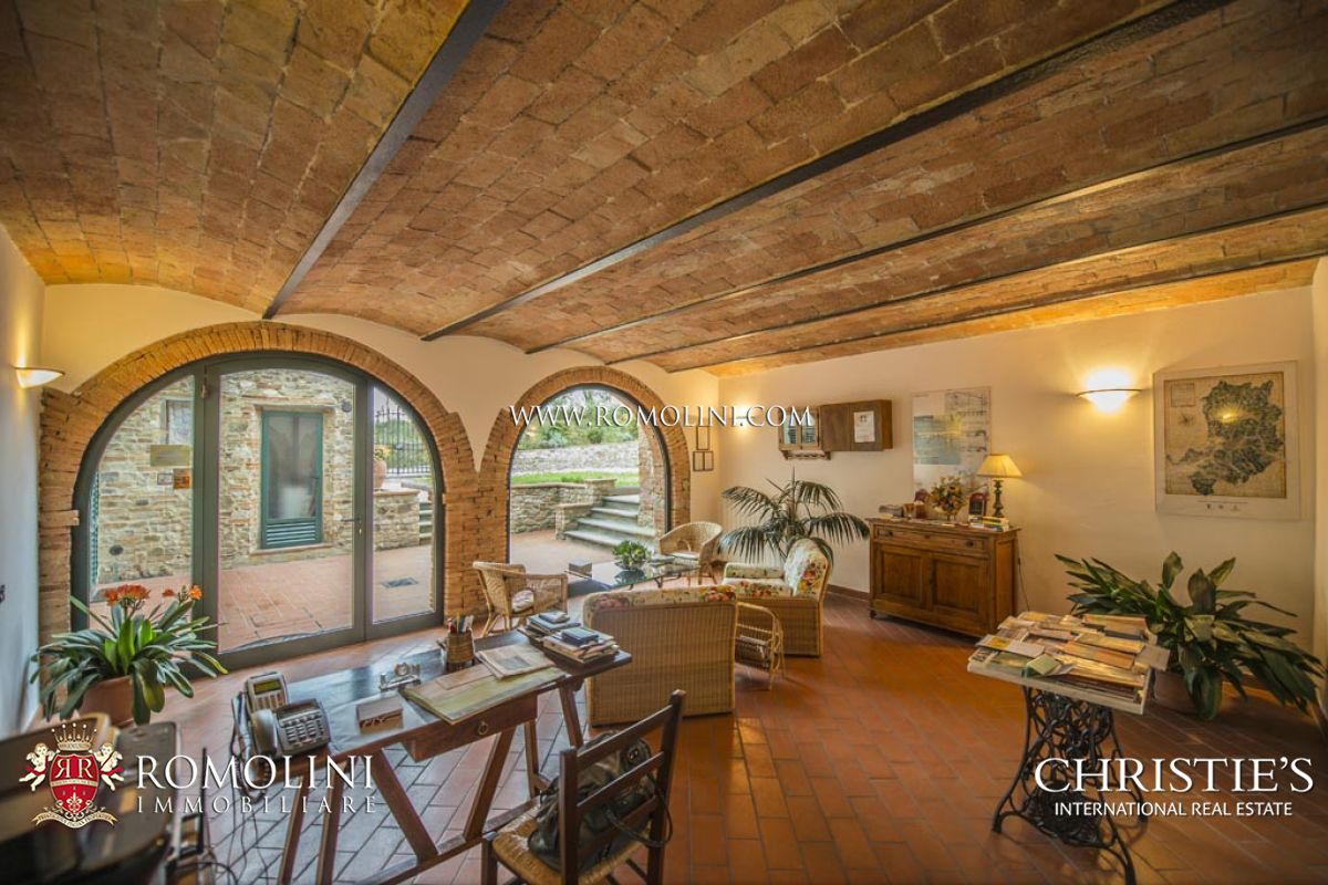 Additional photo for property listing at Tuscany - PERIOD VILLA NEAR FLORENCE, CHIANTI CLASSICO COUNTRY HOUSE Florence, Ý