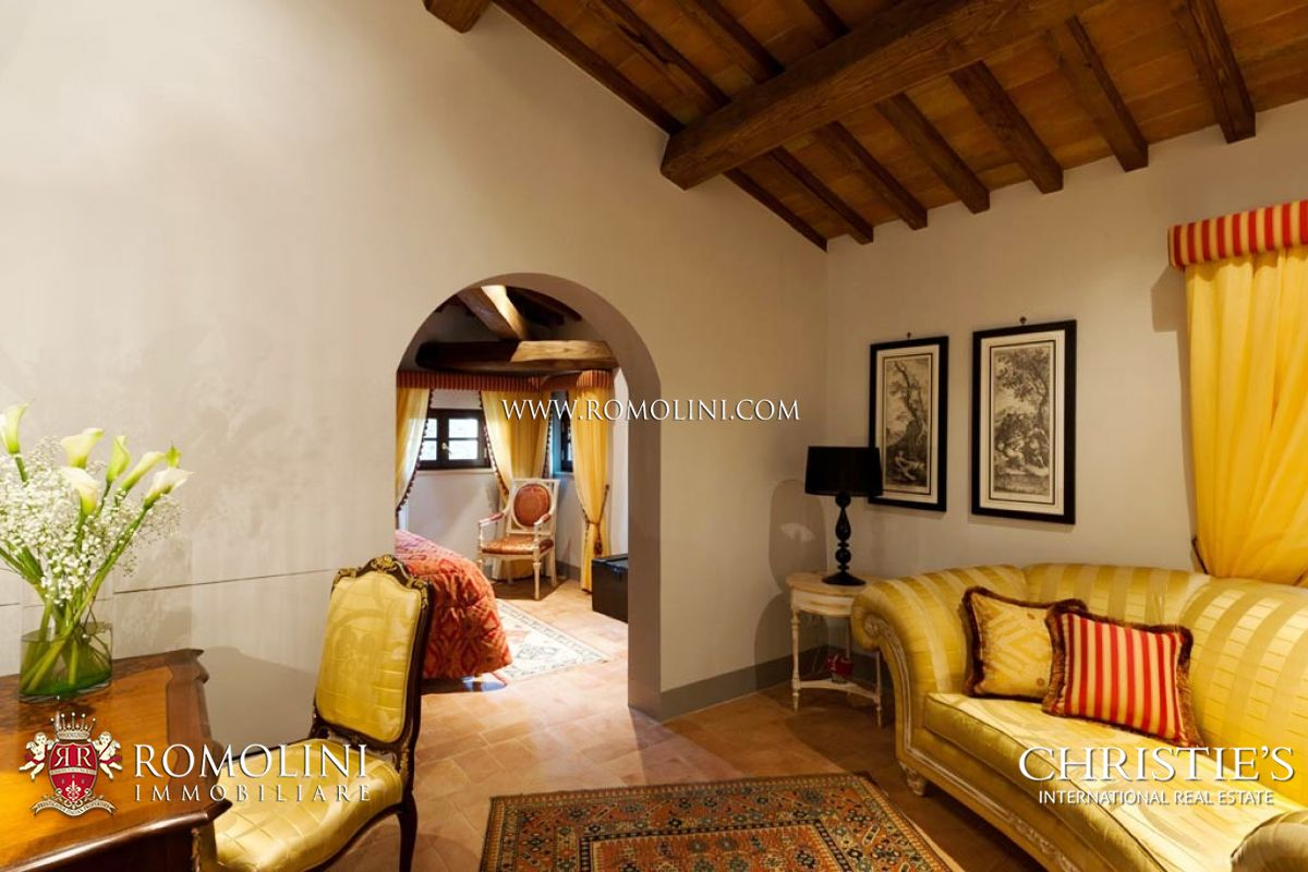 Additional photo for property listing at Tuscany - 11-ROOM BOUTIQUE HOTEL SIENA: LUXURY VILLA IN TUSCANY Siena, Italy