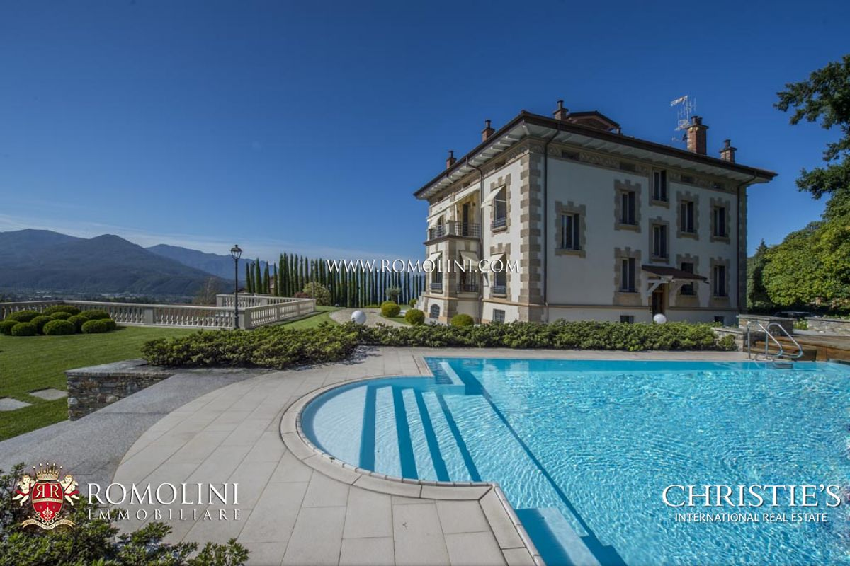 Villas / Townhouses için Satış at Lombardia - LUXURY VILLA WITH LAKE MAGGIORE VIEW FOR SALE IN LUINO Luino, Italya