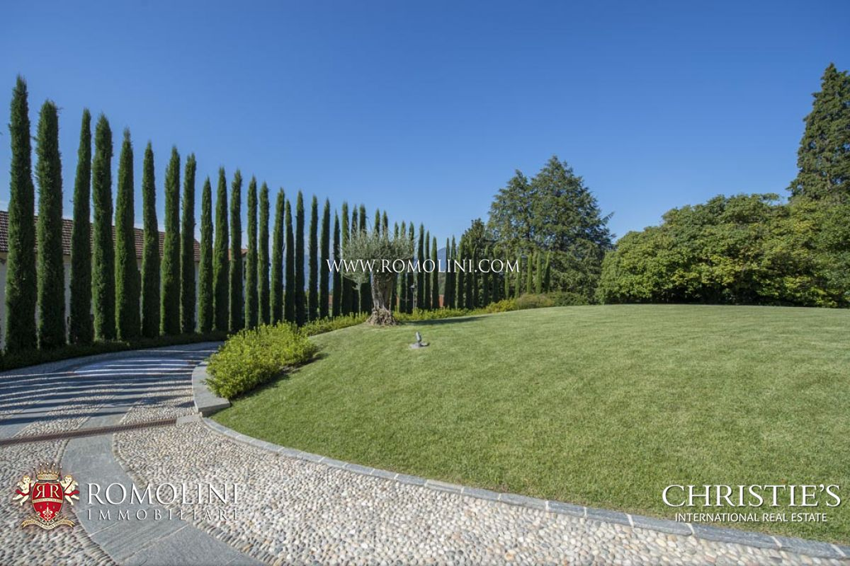 Additional photo for property listing at Lombardia - LUXURY VILLA WITH LAKE MAGGIORE VIEW FOR SALE IN LUINO Luino, Италия