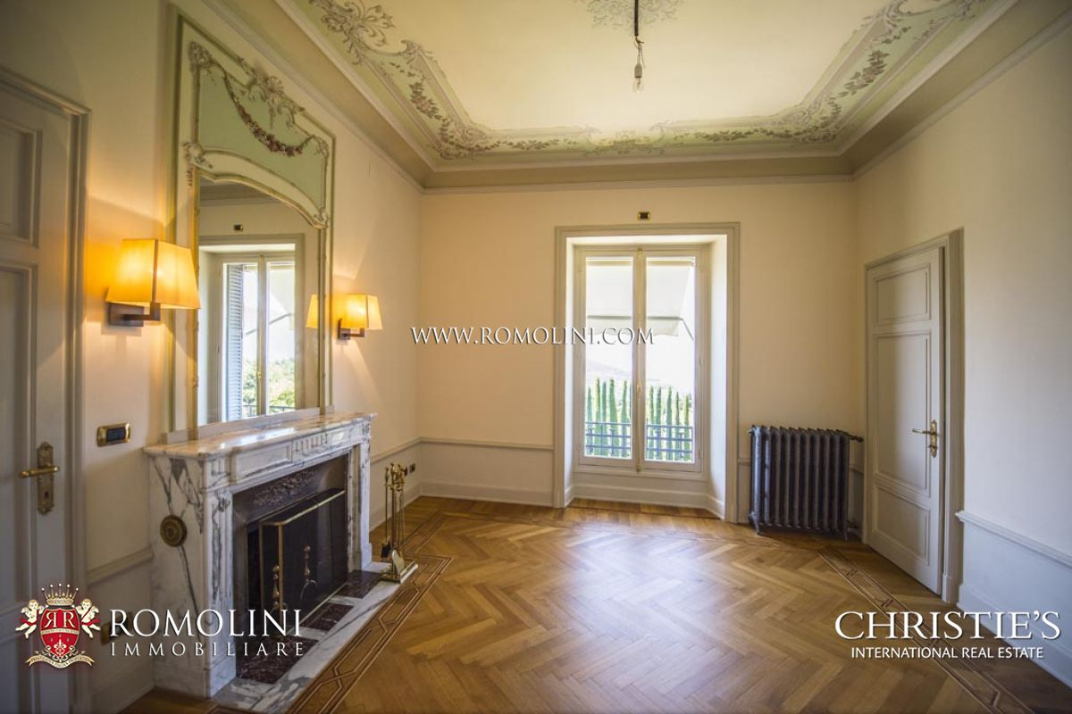 Additional photo for property listing at Lombardia - LUXURY VILLA WITH LAKE MAGGIORE VIEW FOR SALE IN LUINO Luino, イタリア