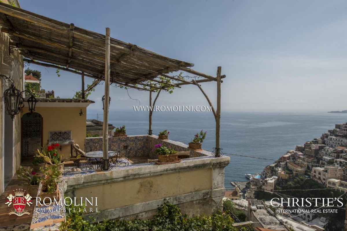 Campania 2 bedroom apartment with sea view terrace in for The terrace land and house