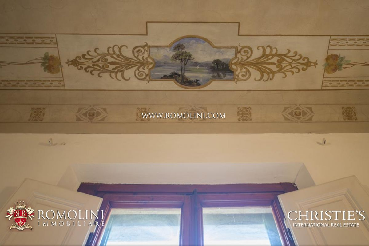 Additional photo for property listing at Tuscany - 19th CENTURY BUILDING WITH GARDEN IN FLORENCE, PORTA ROMANA Firenze, Ιταλια