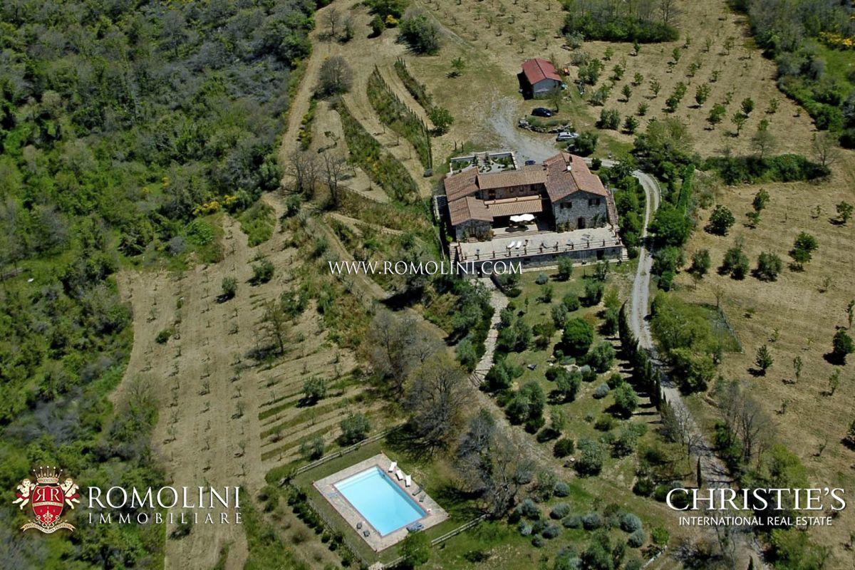 Propriété pour l Vente à Umbria - 88-HECTARE ESTATE WITH STONE COUNTRY HOUSE IN UMBRIA Montegabbione, Italie