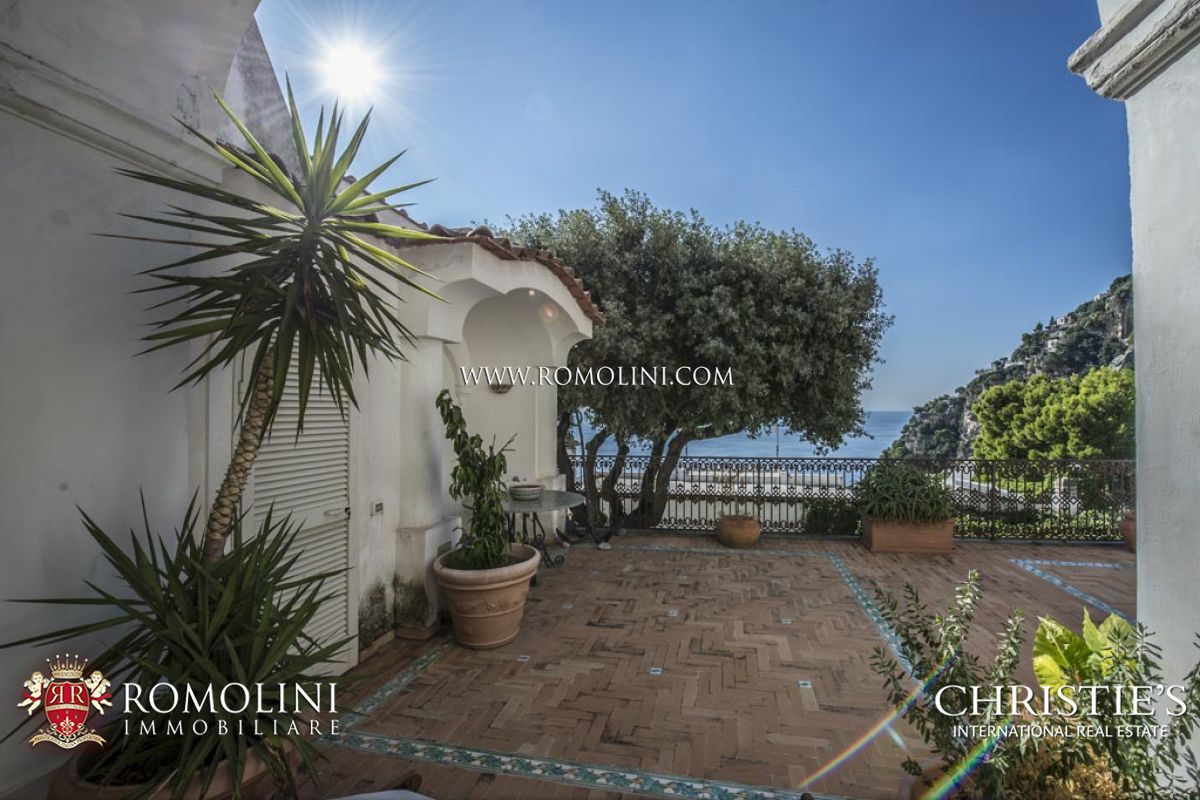 Additional photo for property listing at Campania - 2-BEDROOM APARTMENT WITH GARAGE AND SEA VIEW TERRACE, POSITANO Positano, 意大利
