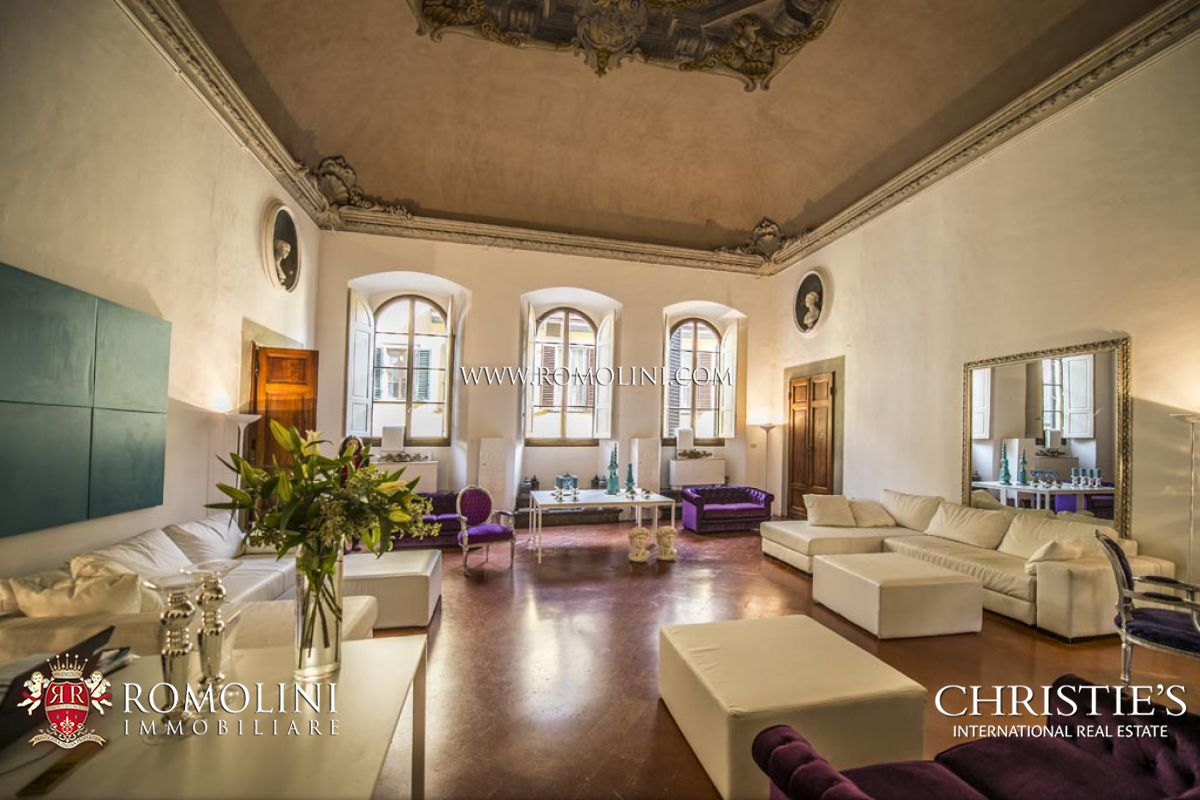 Tuscany renaissance palazzo with boutique hotel for sale for Boutique hotel florence