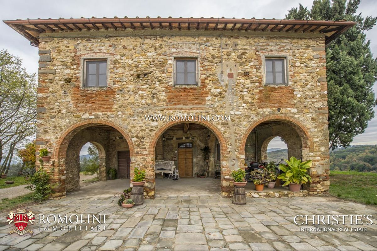 Vigneto per Vendita alle ore Tuscany - FARM WITH VINEYARD AND OLIVE GROVE FOR SALE IN SAN CASCIANO, TUSCANY Firenze, Italia