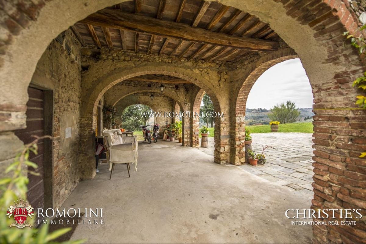 Additional photo for property listing at Tuscany - FARM WITH VINEYARD AND OLIVE GROVE FOR SALE IN SAN CASCIANO, TUSCANY Firenze, Italia