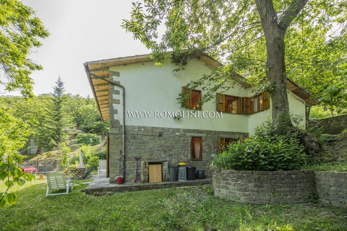 Villa in vendita caprese michelangelo casa con giardino in vendita toscana - Case vendita livorno con giardino ...