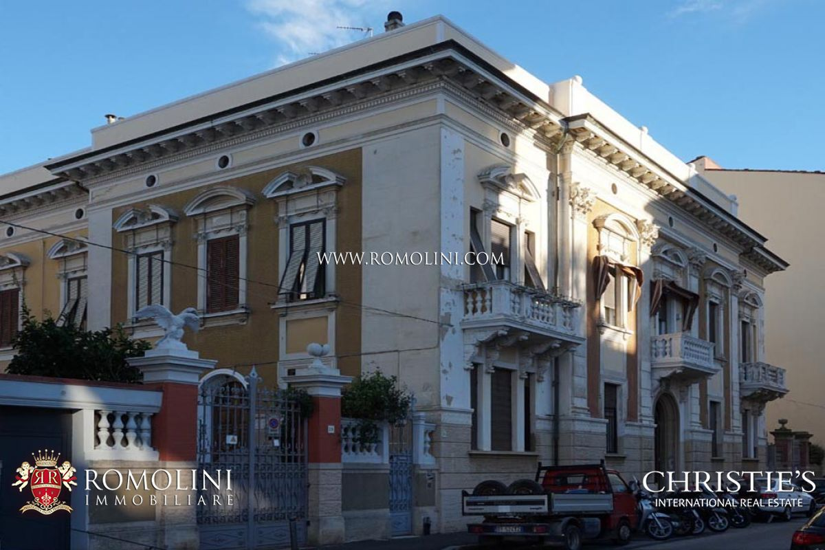 Appartements / Flats pour l Vente à Tuscany - SECTION OF VILLA WITH GARDEN FOR SALE IN LIVORNO, TUSCANY Livorno, Italie