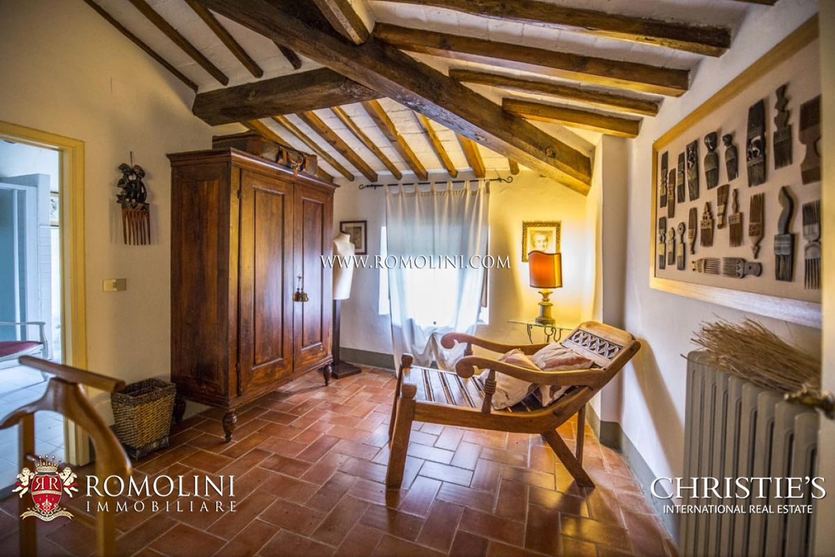 Additional photo for property listing at Tuscany - 17th CENTURY PERIOD MANOR HOUSE FOR SALE IN VALDARNO, TUSCANY Terranuova Bracciolini, Italien