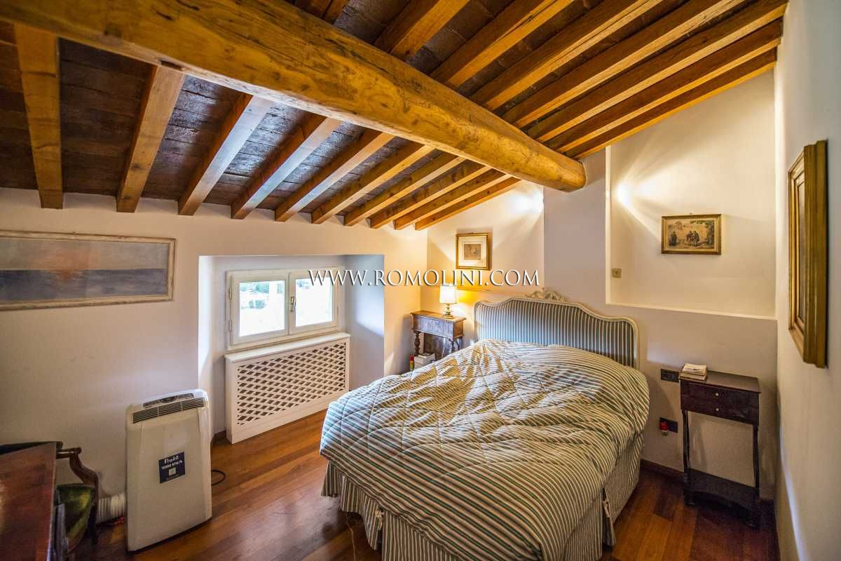 Tuscany - SETTIGNANO, FLORENCE: APARTMENT IN VILLA WITH ...