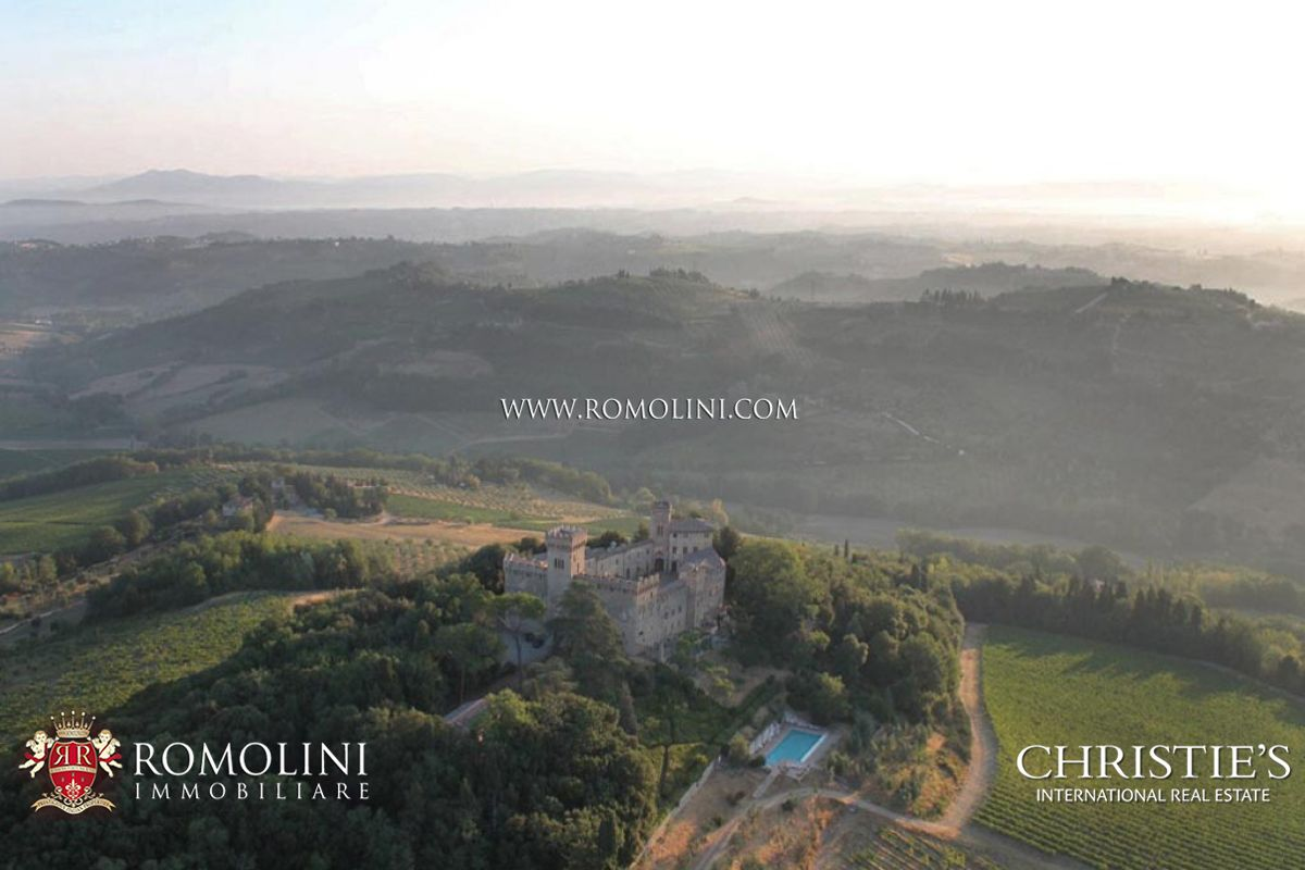 Propriété pour l Vente à Tuscany - TUSCAN CASTLE FOR SALE IN CHIANTI, VINEYARDS, NEAR FLORENCE AND SIENA Firenze, Italie