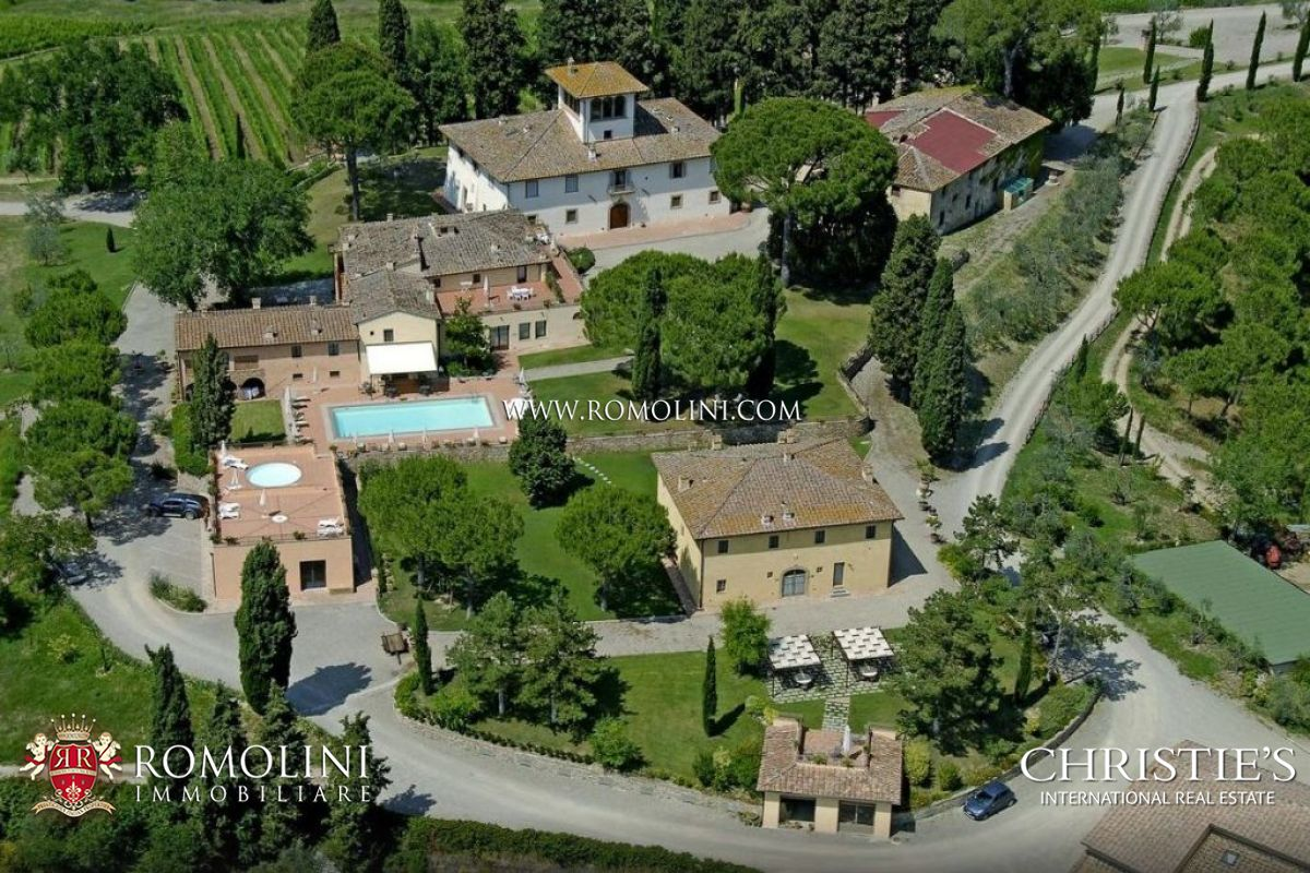Vignoble pour l Vente à Tuscany - WINE ESTATE WITH COUNTRY HOUSES, WINERY AND 167 HA OF LAND FOR SALE IN CHIANTI, FLORENCE Firenze, Italie