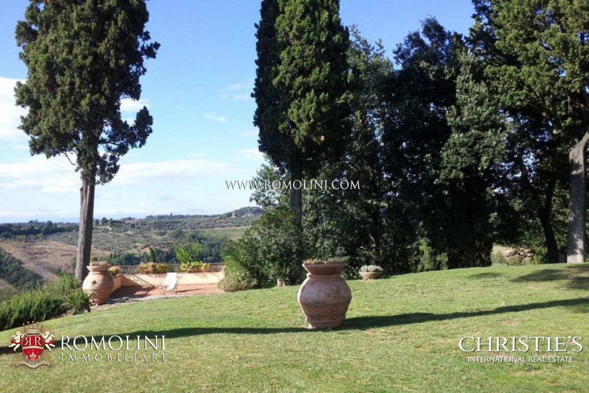 Additional photo for property listing at Tuscany - WINE ESTATE WITH COUNTRY HOUSES, WINERY AND 167 HA OF LAND FOR SALE IN CHIANTI, FLORENCE Firenze, イタリア