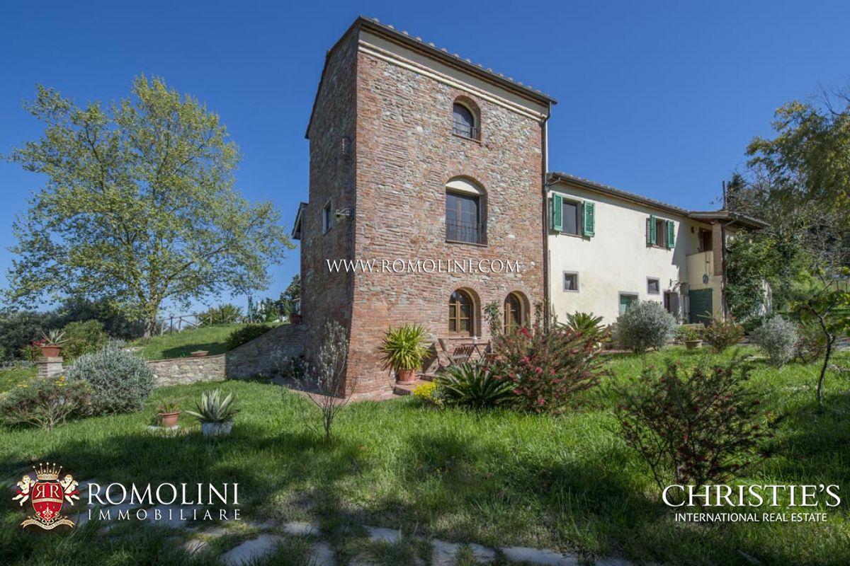 Wijngaard voor Verkoop een t Tuscany - ORGANIC BIODYNAMIC WINE ESTATE, TOSCANA IGT, CHIANTI CLASSICO DOCG Volterra, Italië