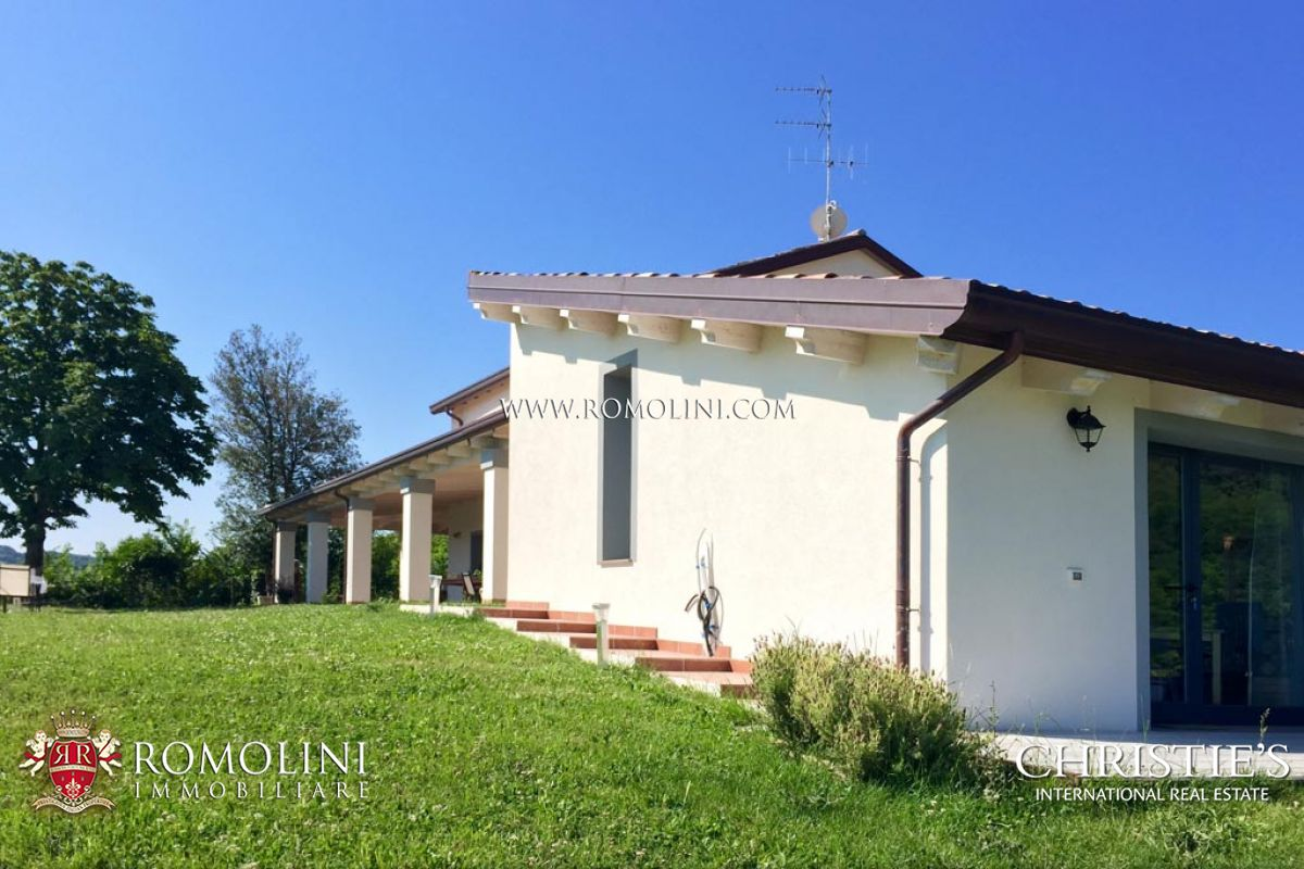Additional photo for property listing at Emilia-Romagna - WINE ESTATE PRODUCING SANGIOVESE DI ROMAGNA FOR SALE Cesena, Italy