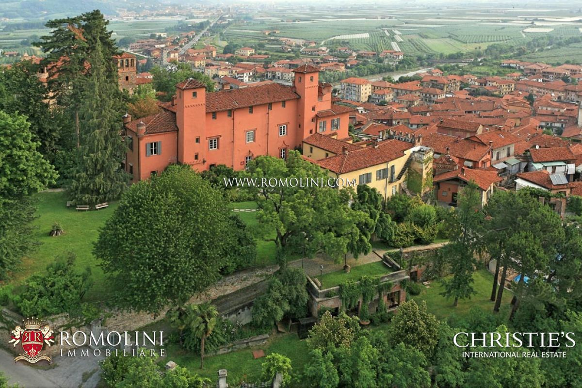 Mülk için Satış at Piedmont - MEDIEVAL CASTLE, HOTEL WITH SPA FOR SALE IN PIEDMONT Cuneo, Italya