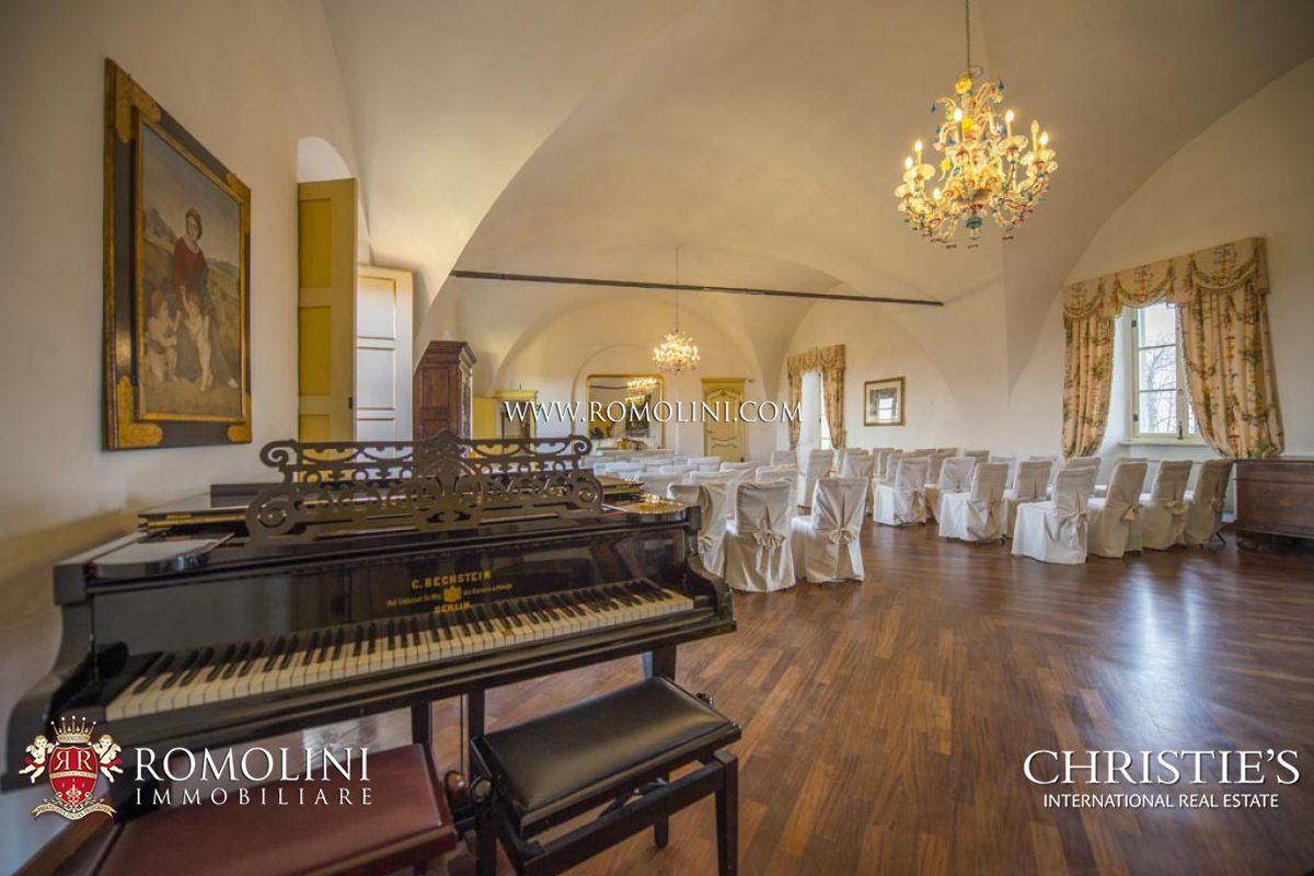Additional photo for property listing at Piedmont - MEDIEVAL CASTLE, HOTEL WITH SPA FOR SALE IN PIEDMONT Cuneo, Italia