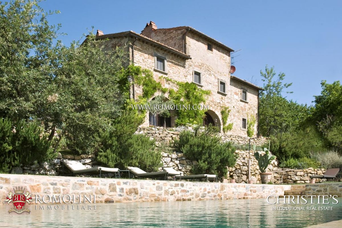 Tek Ailelik Ev için Satış at Tuscany - RADDA IN CHIANTI FARMHOUSE FOR SALE IN TUSCANY Radda In Chianti, Italya