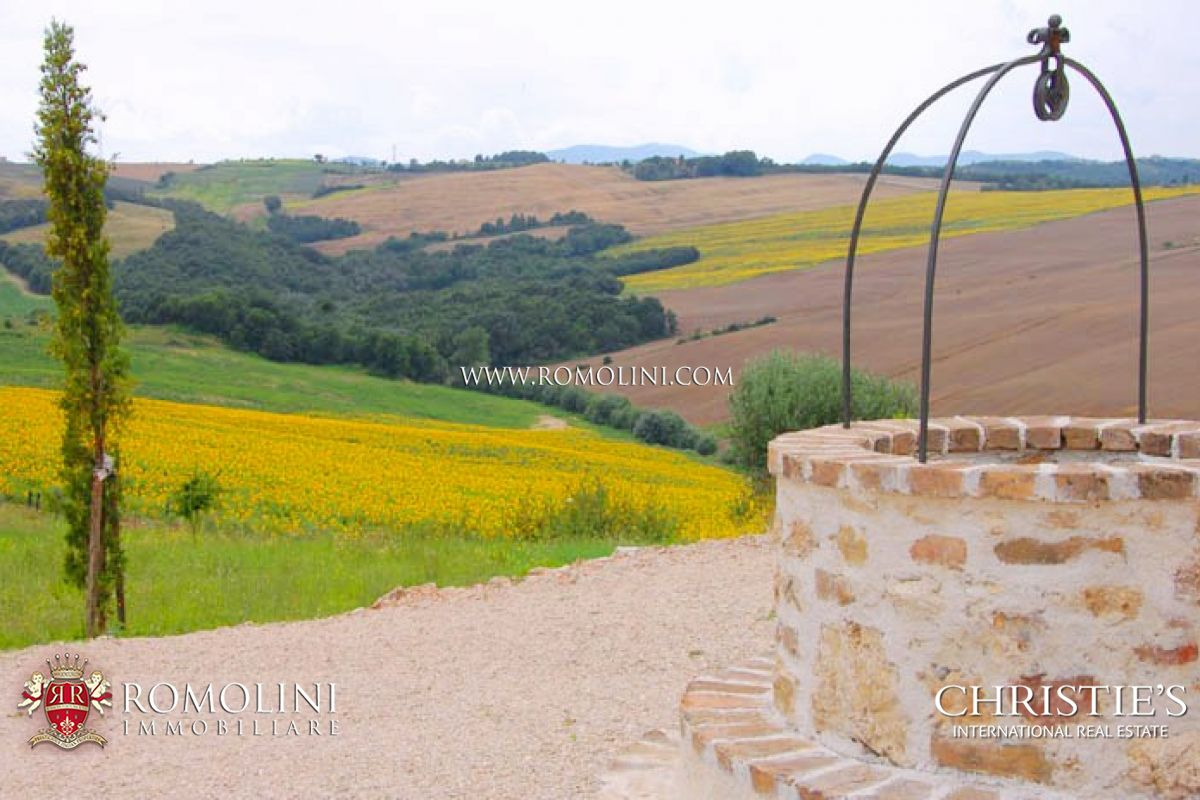 Additional photo for property listing at Umbria - COUNTRY HOUSE FOR SALE TODI UMBRIA 托迪, 意大利