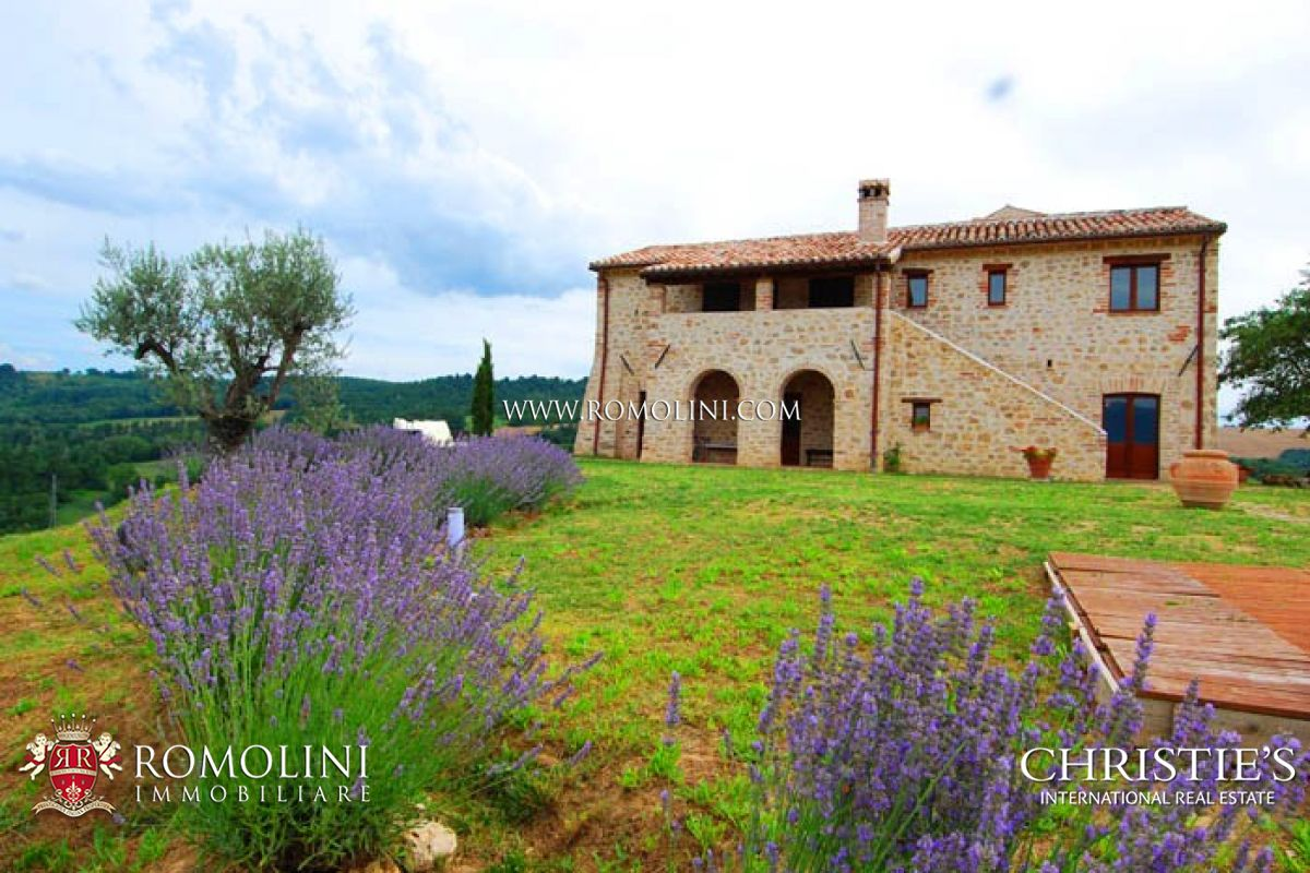 Additional photo for property listing at Umbria - COUNTRY HOUSE FOR SALE TODI UMBRIA Todi, イタリア