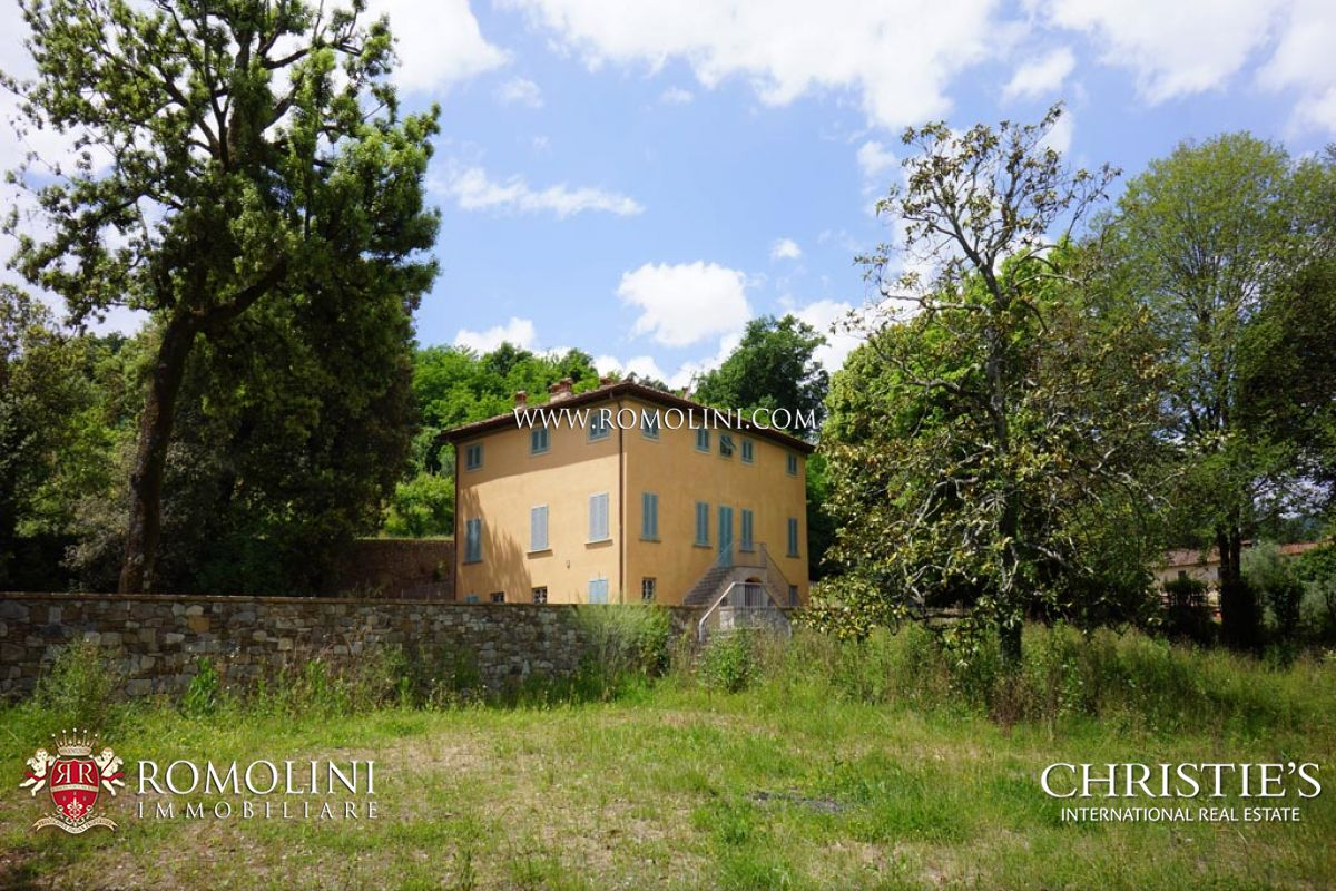 Villas / Townhouses for Sale at Tuscany - VILLA WITH OLIVE GROVE AND POOL FOR SALE LUCCA Lucca, Italy