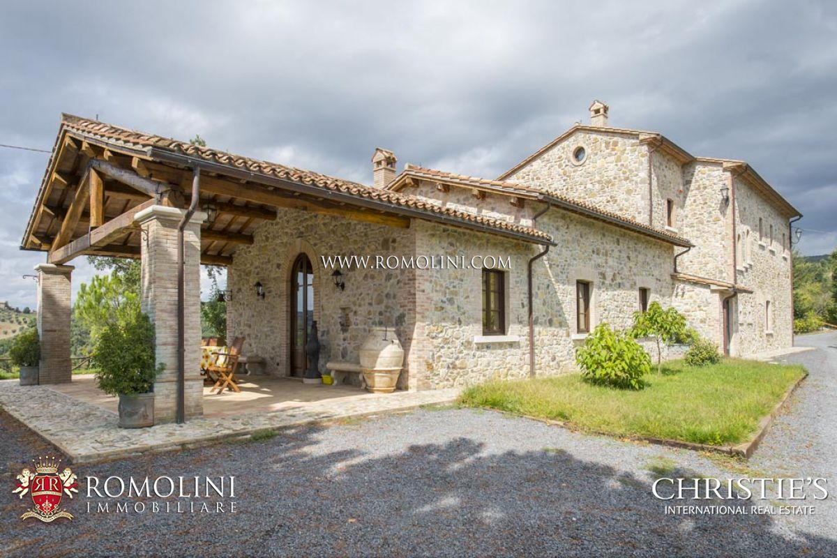 Villas / Moradias em banda para Venda às Umbria - VILLA WITH POOL FOR SALE IN ORVIETO, UMBRIA Orvieto, Itália