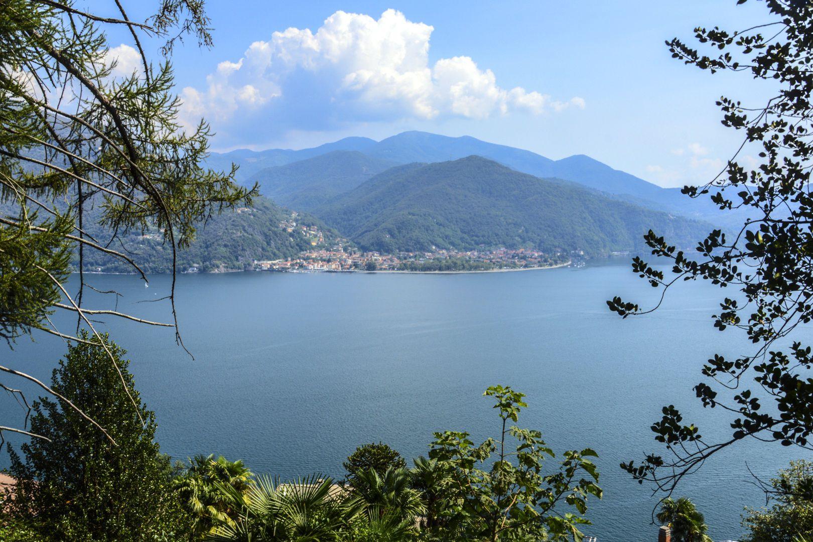 Lago maggiore villa vista lago in vendita for Lago in vendita
