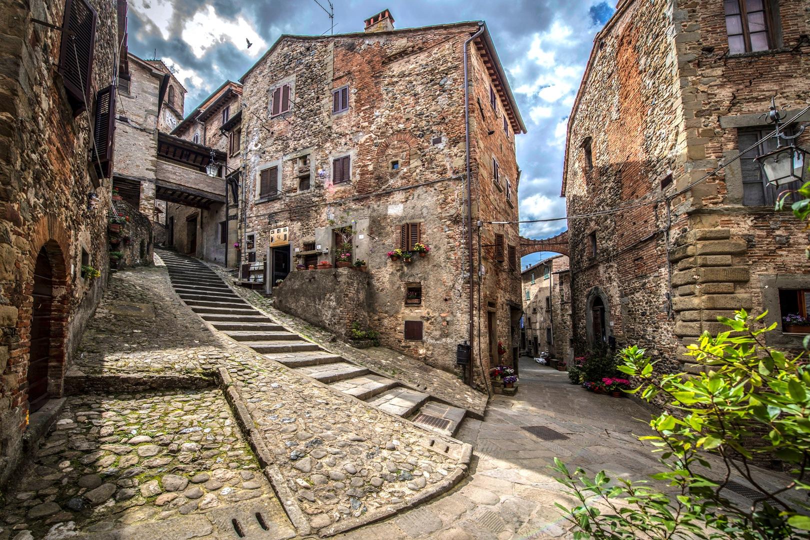 Appartamento in vendita a napoli via montedidio for Appartamento centro storico vicenza